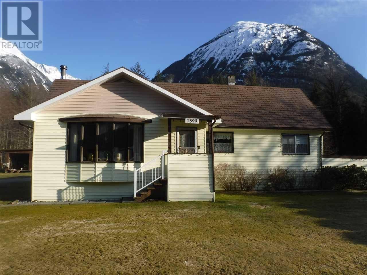 House for sale at 1599 Mackenzie Hy Bella Coola British Columbia - MLS: R2449026