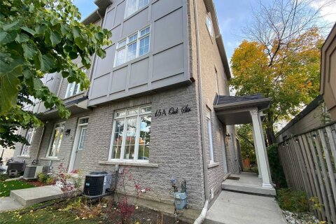 Townhouse for sale at 15 Oak St Toronto Ontario - MLS: W4989176