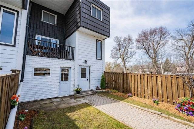 For Sale: 16 - 40 Victoria Crescent, Orillia, ON | 3 Bed, 2 Bath Townhouse for $337,900. See 10 photos!