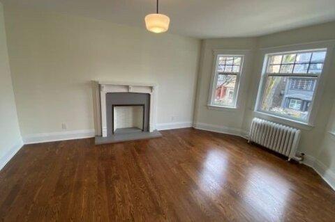 Townhouse for rent at 50 Lawton Blvd Unit 16 Toronto Ontario - MLS: C4984266
