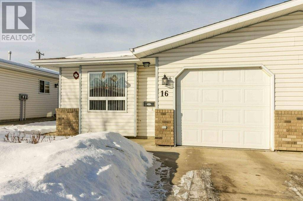 Townhouse for sale at 5125 62 St Unit 16 Red Deer Alberta - MLS: ca0189521