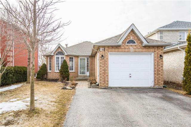 For Sale: 16 Black Willow Drive, Barrie, ON   2 Bed, 2 Bath House for $500,000. See 13 photos!