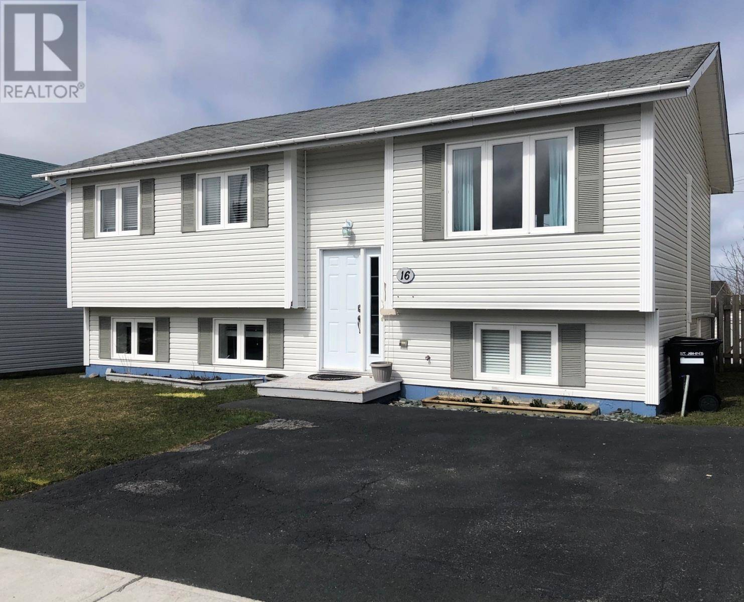House for sale at 16 Cahill Dr St. John's Newfoundland - MLS: 1211668
