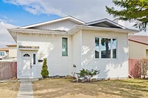House for sale at 16 Castlebrook Pl Northeast Calgary Alberta - MLS: C4270782
