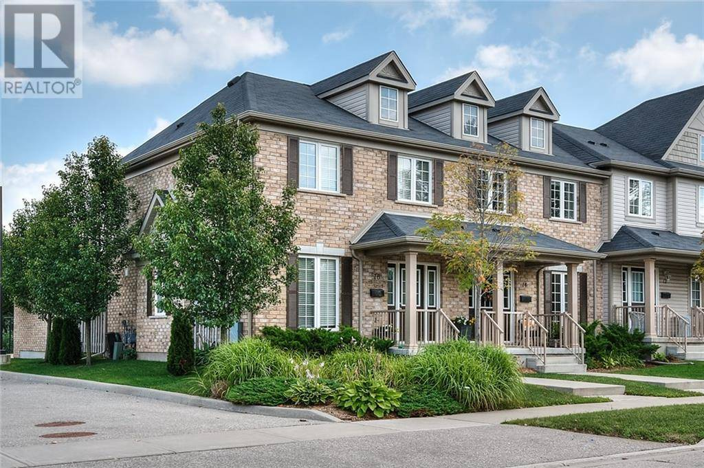 Townhouse for sale at 16 Commonwealth St Kitchener Ontario - MLS: 30760255