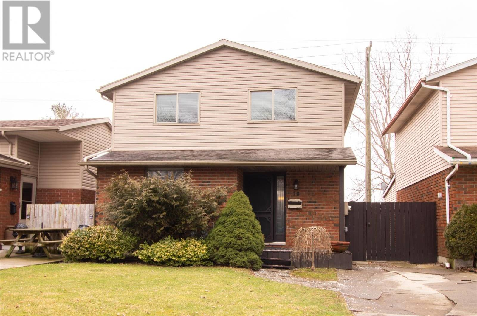 House for sale at 16 Copperfield Cres Chatham Ontario - MLS: 20000436