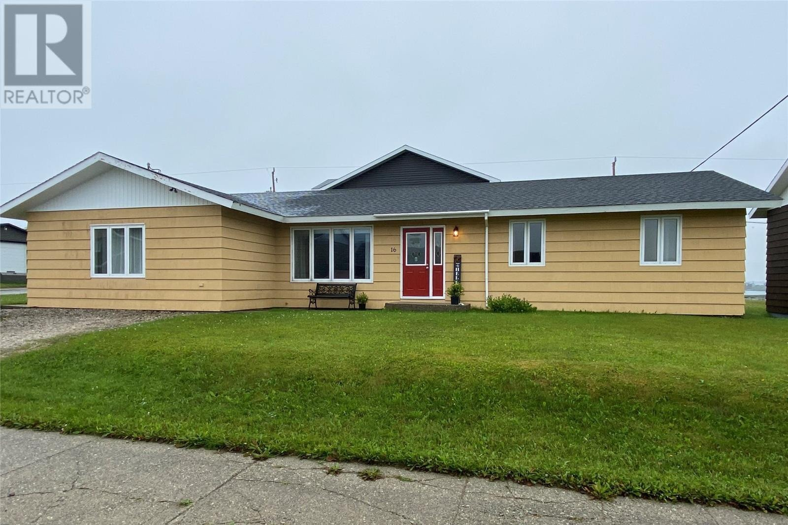 House for sale at 16 Cox Ave Port Aux Basques Newfoundland - MLS: 1223587