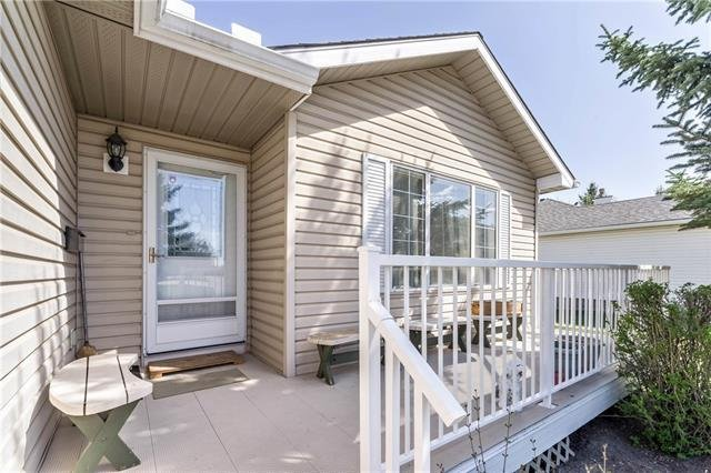 For Sale: 16 Del Monica Villas Northeast, Calgary, AB | 2 Bed, 2 Bath Townhouse for $275,000. See 32 photos!