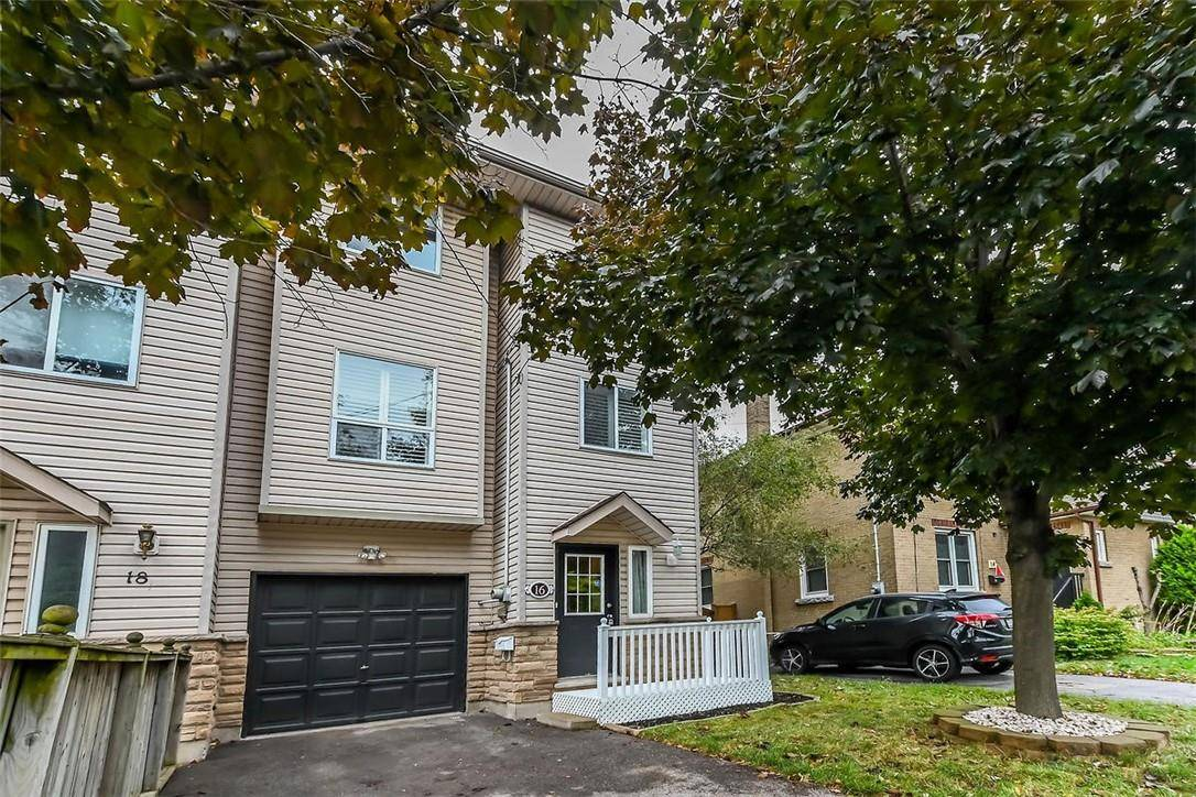 Townhouse for sale at 16 35th St East Hamilton Ontario - MLS: H4065116