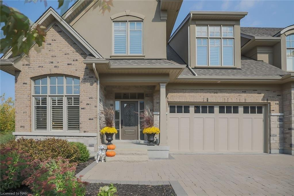 Townhouse for sale at 16 Evergreen Ln Niagara-on-the-lake Ontario - MLS: 40032303