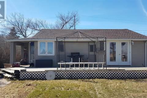 House for sale at 16 Fraser St Manor Saskatchewan - MLS: SK767409