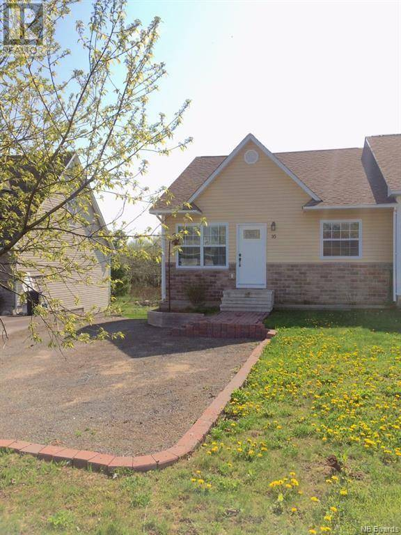 House for sale at 16 Glen Eyre Ct Fredericton New Brunswick - MLS: NB028447
