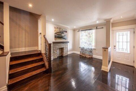 Townhouse for rent at 16 Glen Gordon Rd Toronto Ontario - MLS: W4959701