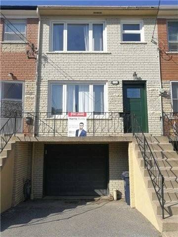 Townhouse for rent at 16 Juniper Ave Toronto Ontario - MLS: E4729836
