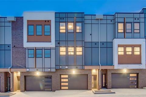 Townhouse for sale at 16 Lebel Cres Northwest Calgary Alberta - MLS: C4292637