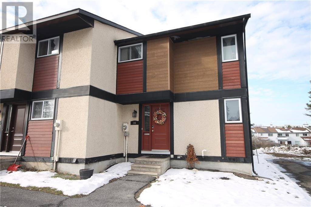Townhouse for sale at 16 Mcclintock Wy Ottawa Ontario - MLS: 1175924