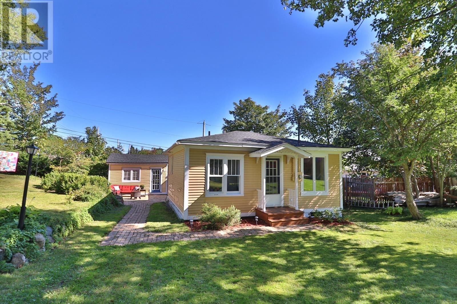 House for sale at 16 Murphys Ln St. John's Newfoundland - MLS: 1224751