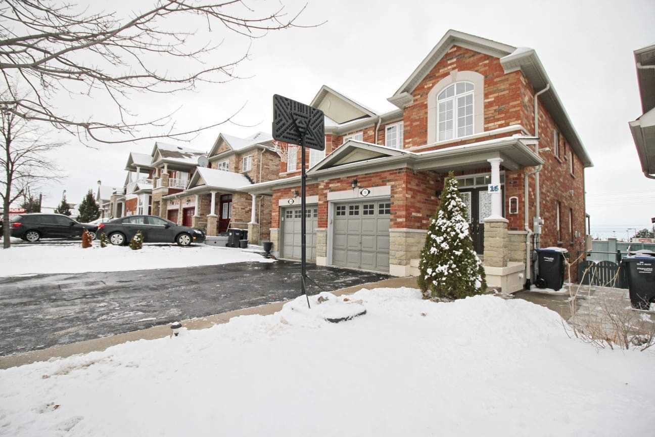 House for sale at 16 Pennyroyal Crescent Brampton Ontario - MLS: W4329838