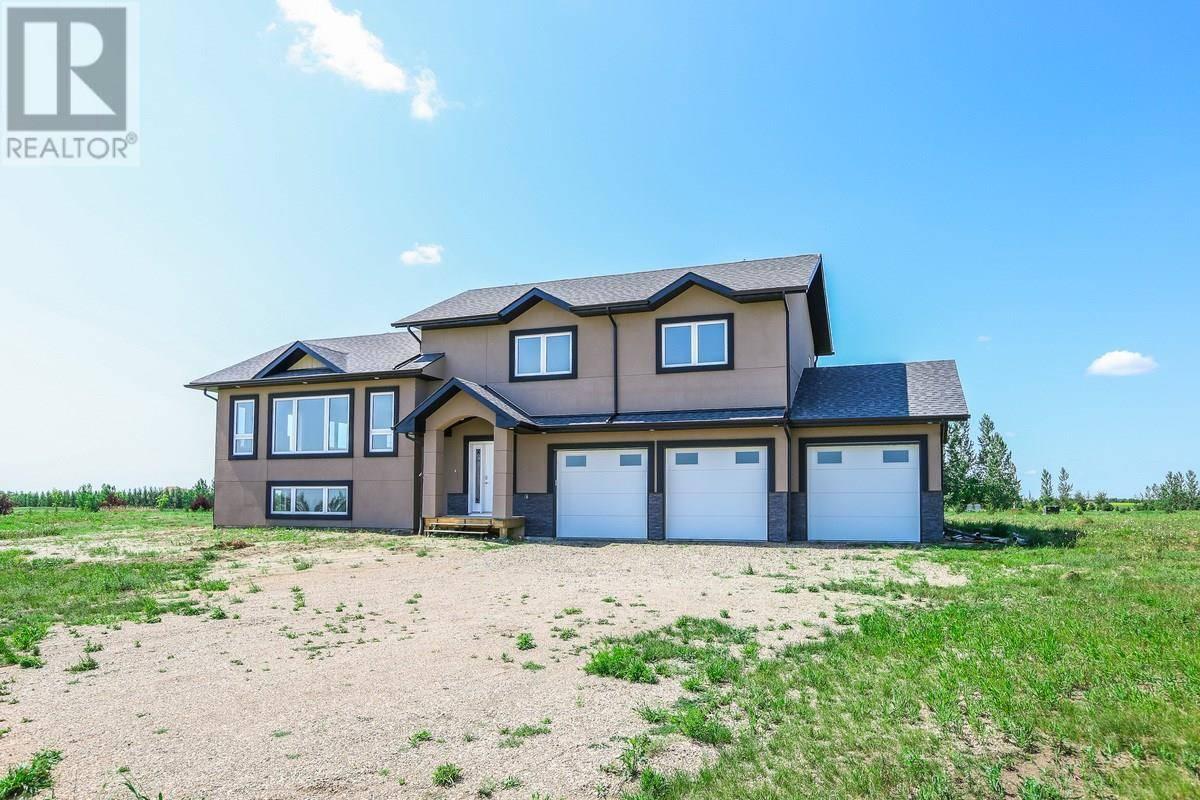 House for sale at 16 Pheasant Mdws  Dundurn Rm No. 314 Saskatchewan - MLS: SK782757