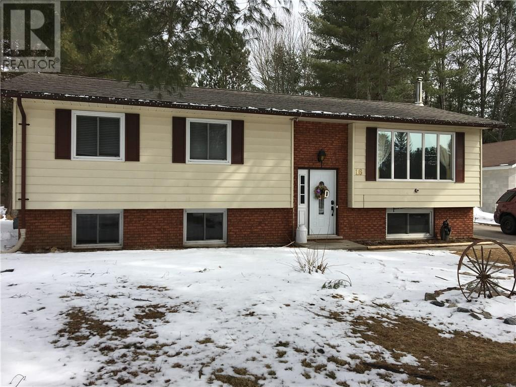 For Sale: 16 Pinewood Drive, Bracebridge, ON | 4 Bed, 2 Bath House for $314,900. See 20 photos!