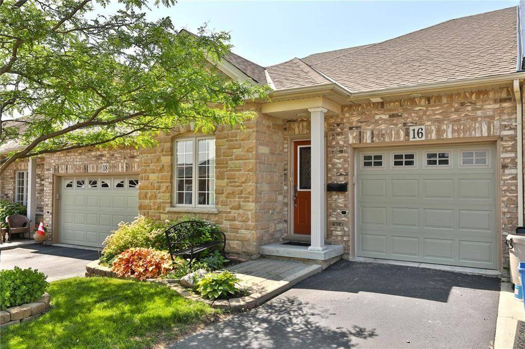 Townhouse for sale at 16 Timber Tr Glanbrook Ontario - MLS: H4063303