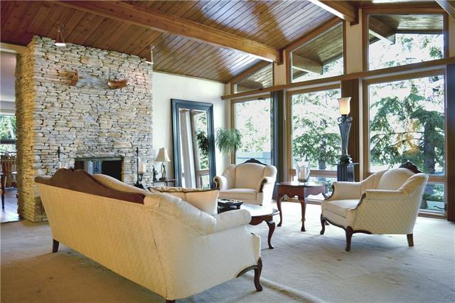 16 Vardell P Northwest, Calgary — For Sale @ $900,000 | Zolo.ca
