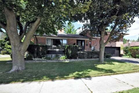 House for sale at 16 Watercliffe Rd Toronto Ontario - MLS: W4865845