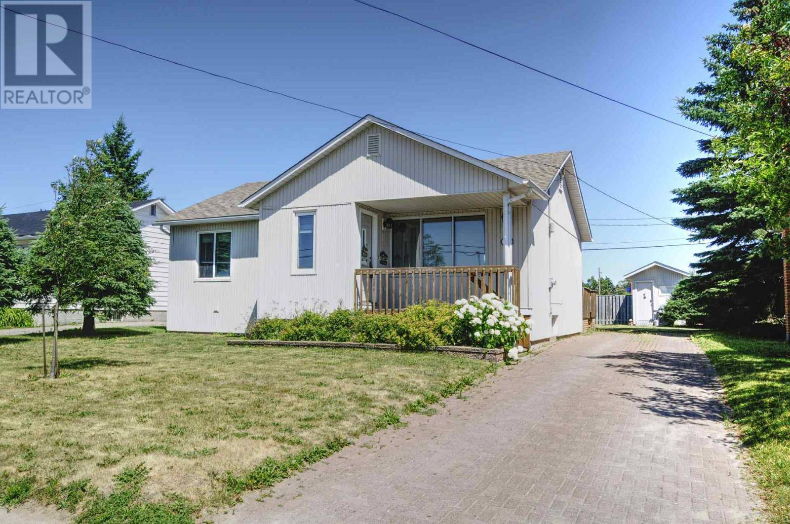House for sale at 16 Willow Ave Sault Ste. Marie Ontario - MLS: SM127937