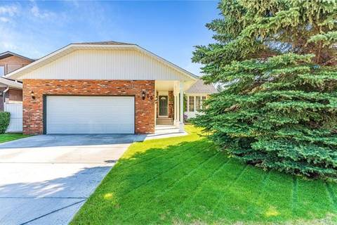 House for sale at 16 Woodfield Ct Southwest Calgary Alberta - MLS: C4266334