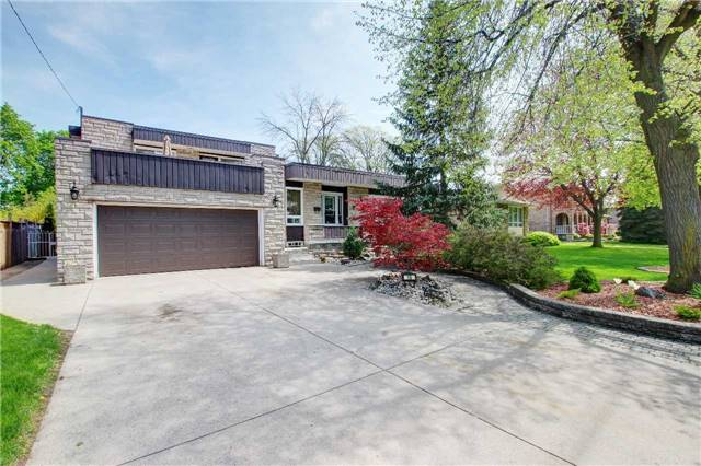 For Sale: 16 Woodside Drive, Hamilton, ON | 5 Bed, 3 Bath House for $824,900. See 20 photos!
