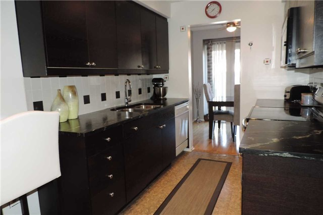 For Sale: 160 - 4662 Kingston Road, Toronto, ON   3 Bed, 3 Bath Condo for $549,000. See 16 photos!