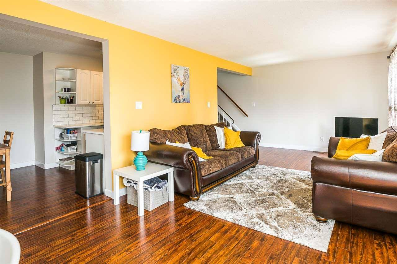 Townhouse for sale at 160 Callingwood Pl Nw Edmonton Alberta - MLS: E4168474