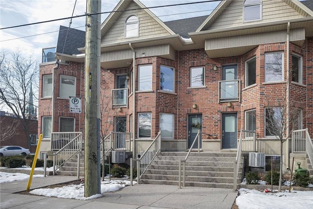 Townhouse for sale at 160 Catharine St S Hamilton Ontario - MLS: H4072250