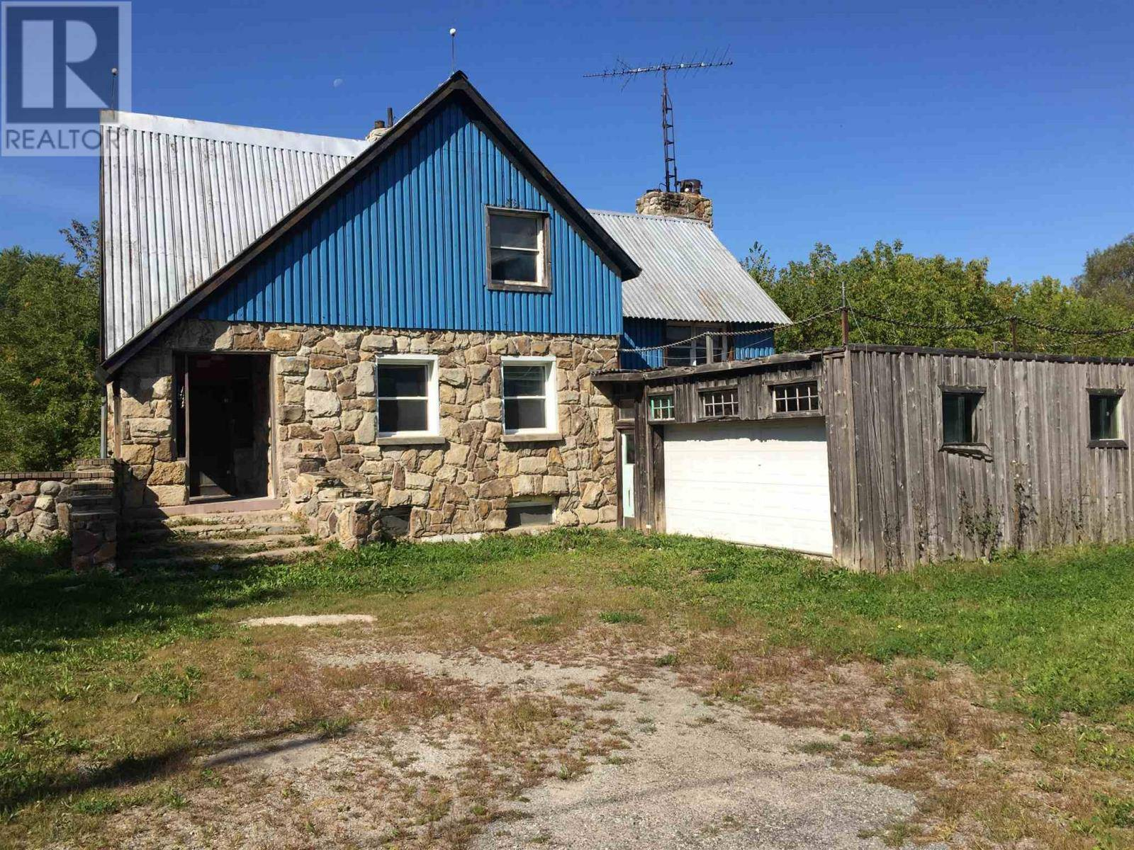 House for sale at 160 Main St Seeley's Bay Ontario - MLS: K19005502