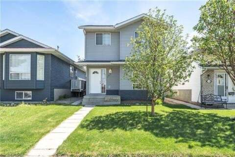 House for sale at 160 Martindale Dr Northeast Calgary Alberta - MLS: C4298035