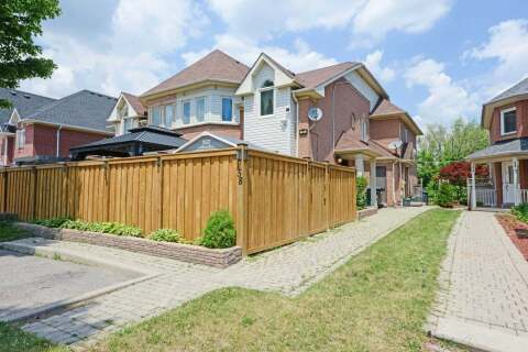 Townhouse for sale at 160 Pressed Brick Dr Brampton Ontario - MLS: W4803165
