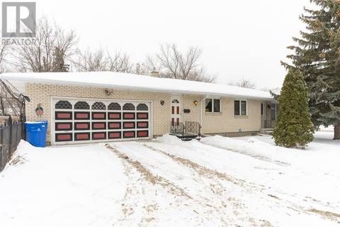 House for sale at 1601 5th Ave N Regina Saskatchewan - MLS: SK798195