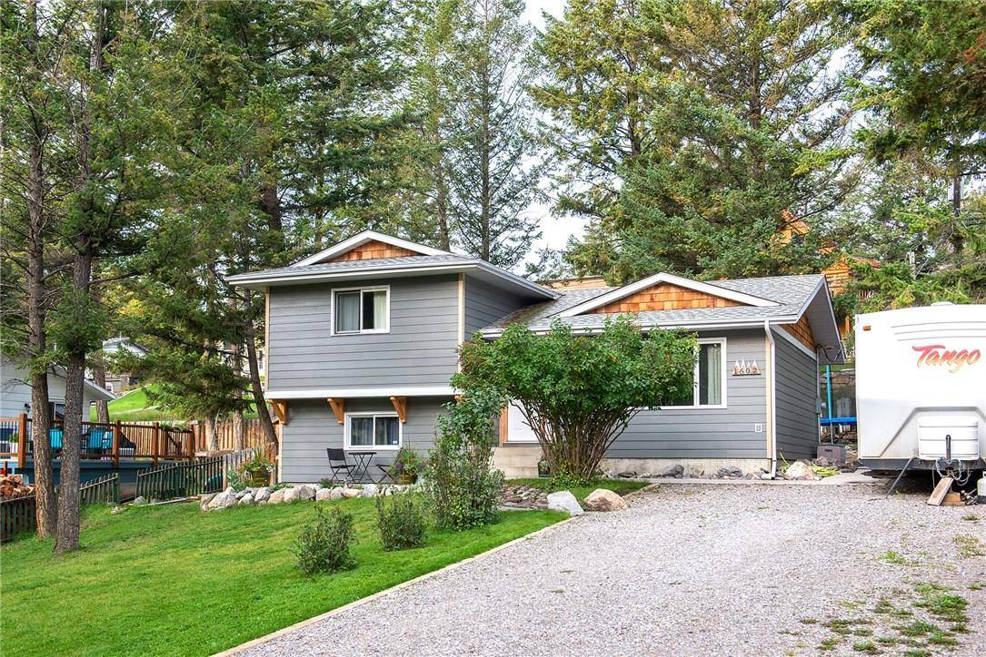 House for sale at 1602 10a Avenue Ave Invermere British Columbia - MLS: 2441159