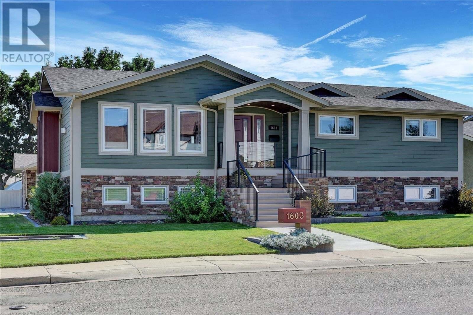 House for sale at 1603 Bingham Rd Moose Jaw Saskatchewan - MLS: SK819267