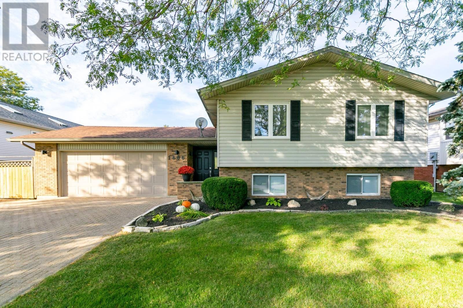 House for sale at 1606 Elmwood Ave Lakeshore Ontario - MLS: 19026807
