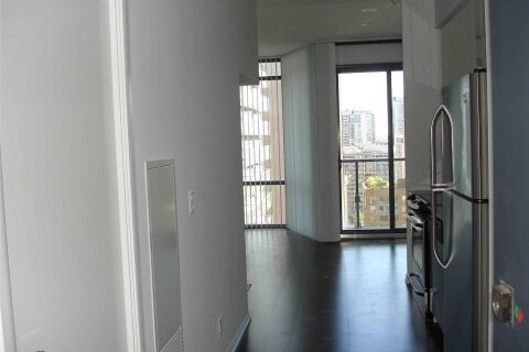 Apartment for rent at 832 Bay St Unit 1607 Toronto Ontario - MLS: C4996695
