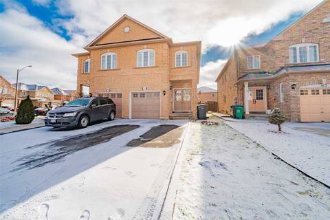 Townhouse for sale at 161 Albright Rd Brampton Ontario - MLS: W4666186