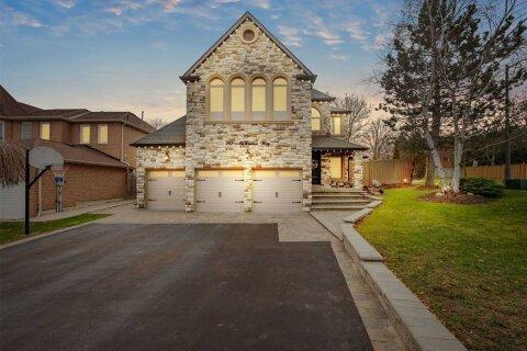 House for sale at 161 Mcclellan Wy Aurora Ontario - MLS: N5002576