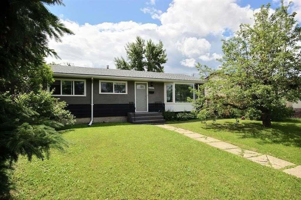 House for sale at 16105 87 Av NW Edmonton Alberta - MLS: E4197641