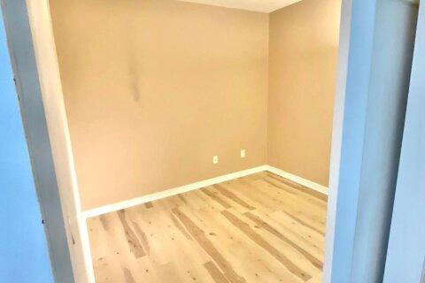 Apartment for rent at 208 Queens Quay St Unit 1611 Toronto Ontario - MLS: C4996611
