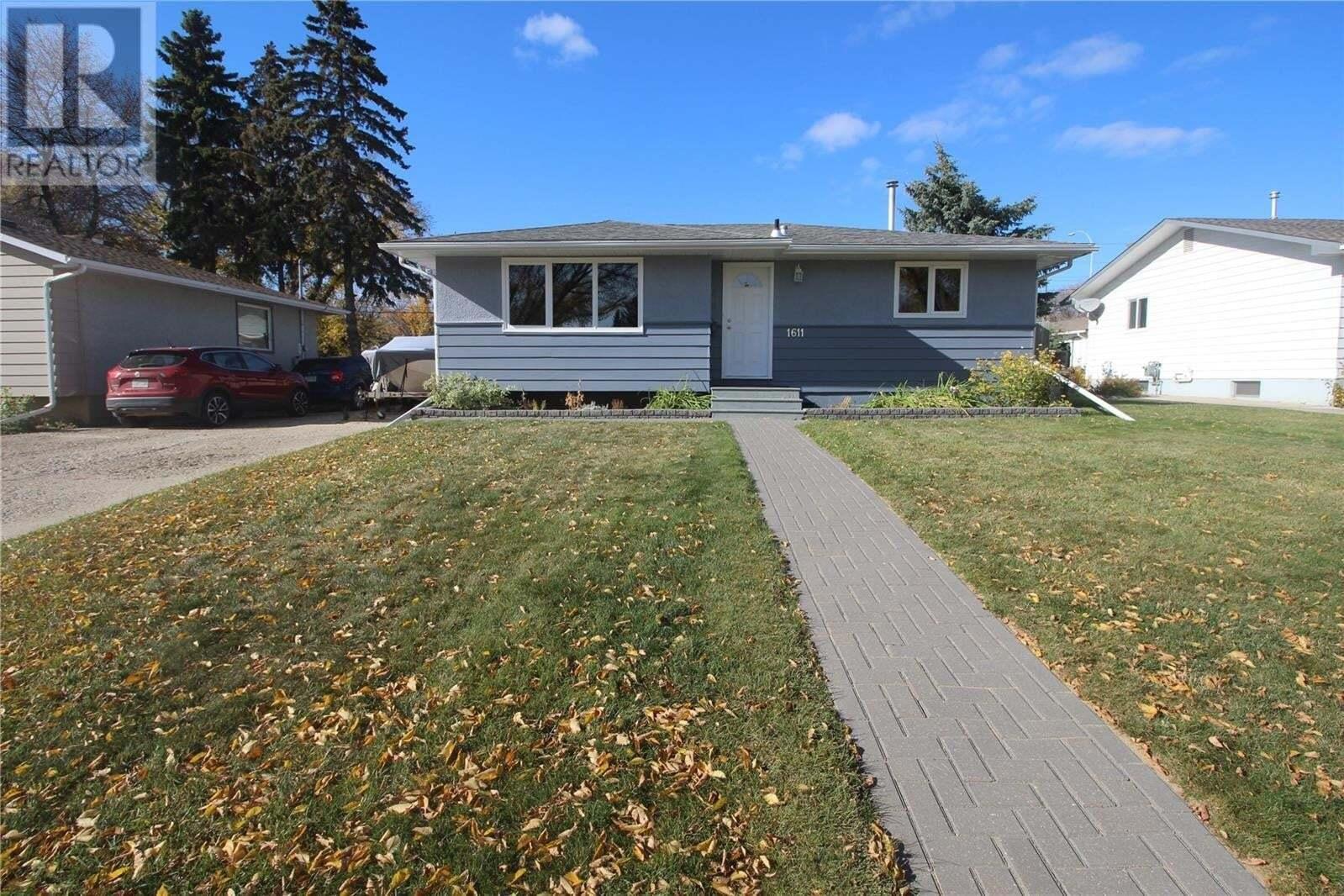 House for sale at 1611 8th Ave N Saskatoon Saskatchewan - MLS: SK829032