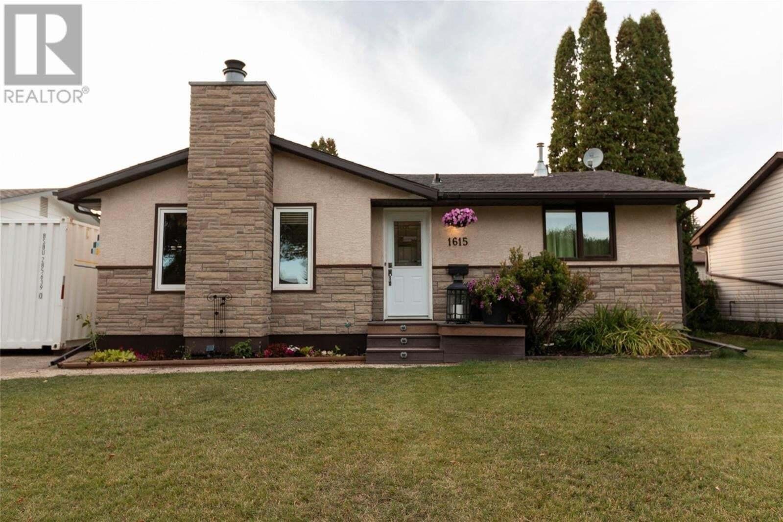 House for sale at 1615 8th Ave N Saskatoon Saskatchewan - MLS: SK827632