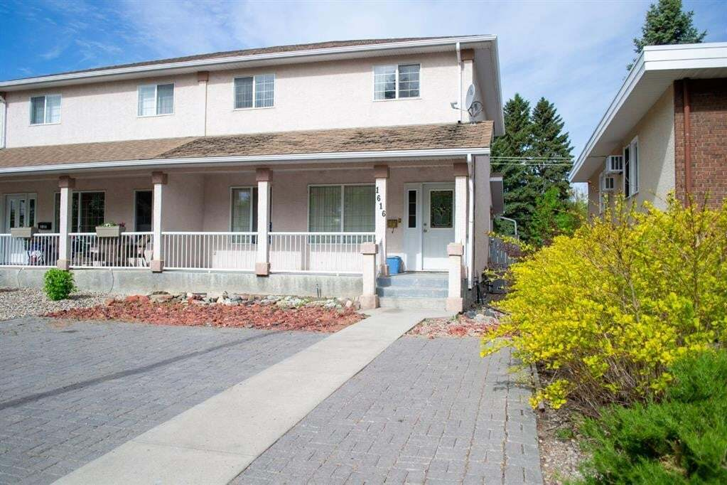 Townhouse for sale at 1616 13 St North Lethbridge Alberta - MLS: A1001974