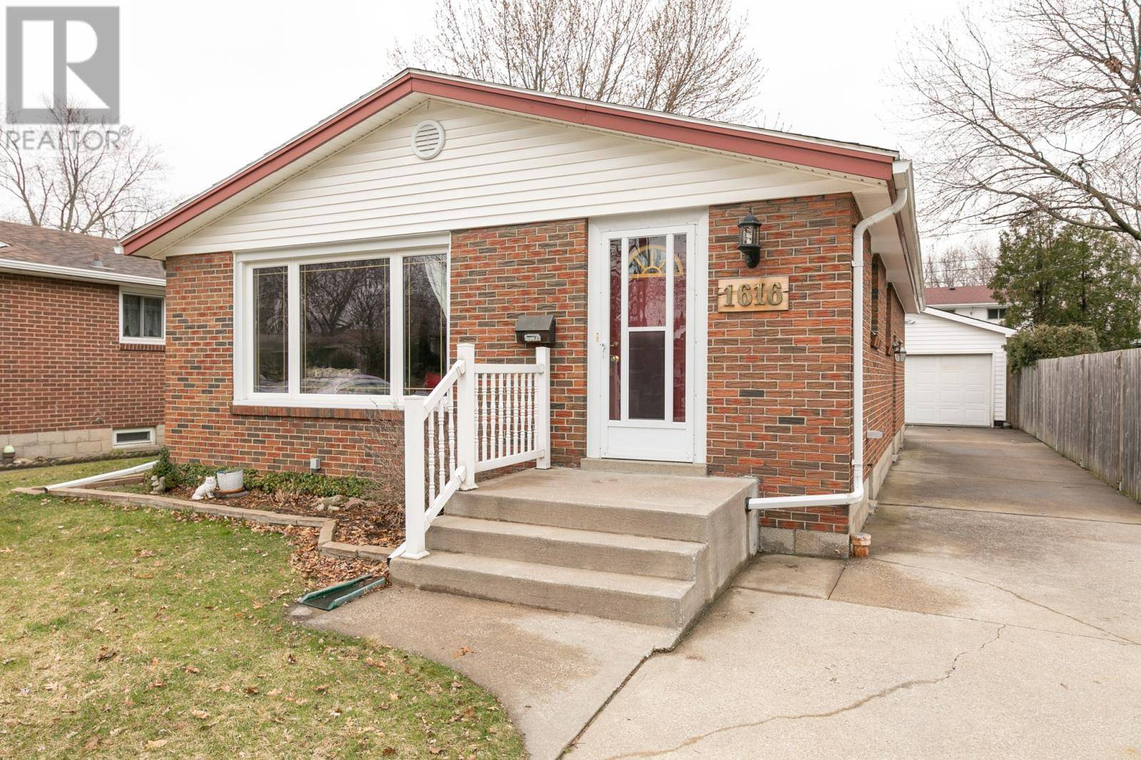 House for sale at 1616 Greenview  Windsor Ontario - MLS: 20003648