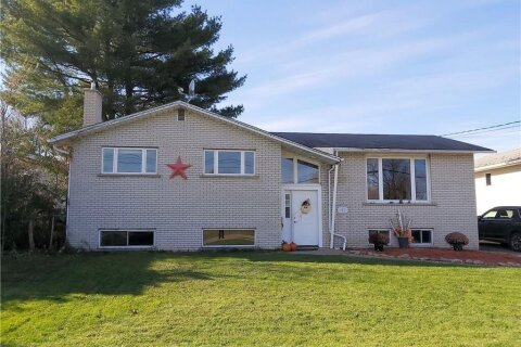 House for sale at 162 Riverside Dr Pembroke Ontario - MLS: 1216579
